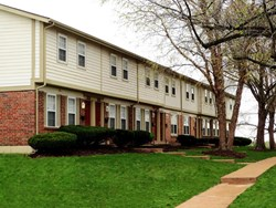 The Groves Townhomes And Apartments 2990 Santiago Drive Florissant Mo Rentcaf