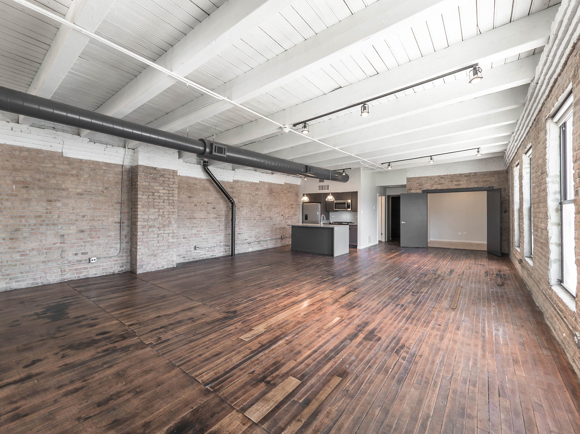 Large Open Floor Plans at 1012 W. Randolph St. Chicago, IL 60607