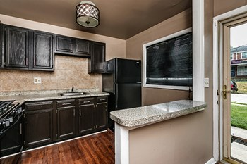 6200 Chinquapin Parkway 1 Bed Apartment for Rent Photo Gallery 1