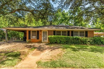 1815 Austin Street 4 Beds House for Rent Photo Gallery 1