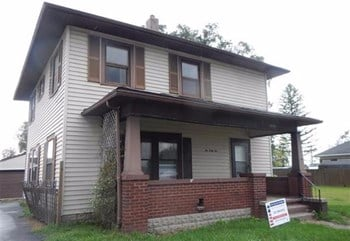 1045 N Apperson Way 3 Beds House for Rent Photo Gallery 1