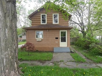708 Howard St 4 Beds House for Rent Photo Gallery 1