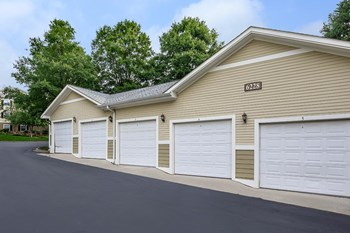6219 Waterford Hills Dr 1-2 Beds Apartment for Rent Photo Gallery 1