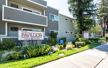 5680 Reseda Blvd 1-2 Beds Apartment for Rent Photo Gallery 1