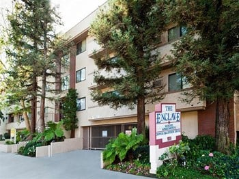 10900 Bluffside Drive 1-3 Beds Apartment for Rent Photo Gallery 1