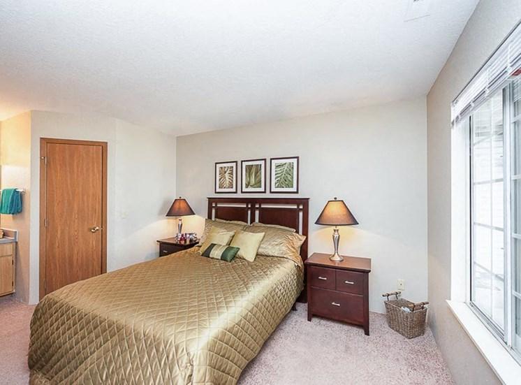 Apartments in Toledo, OH bedroom