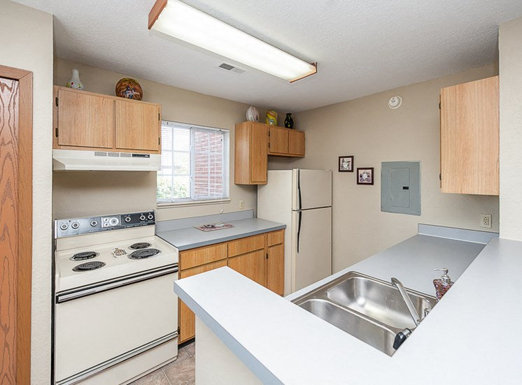 Apartments in Toledo, OH kitchen