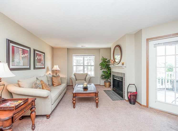 Apartments in Toledo, OH living room