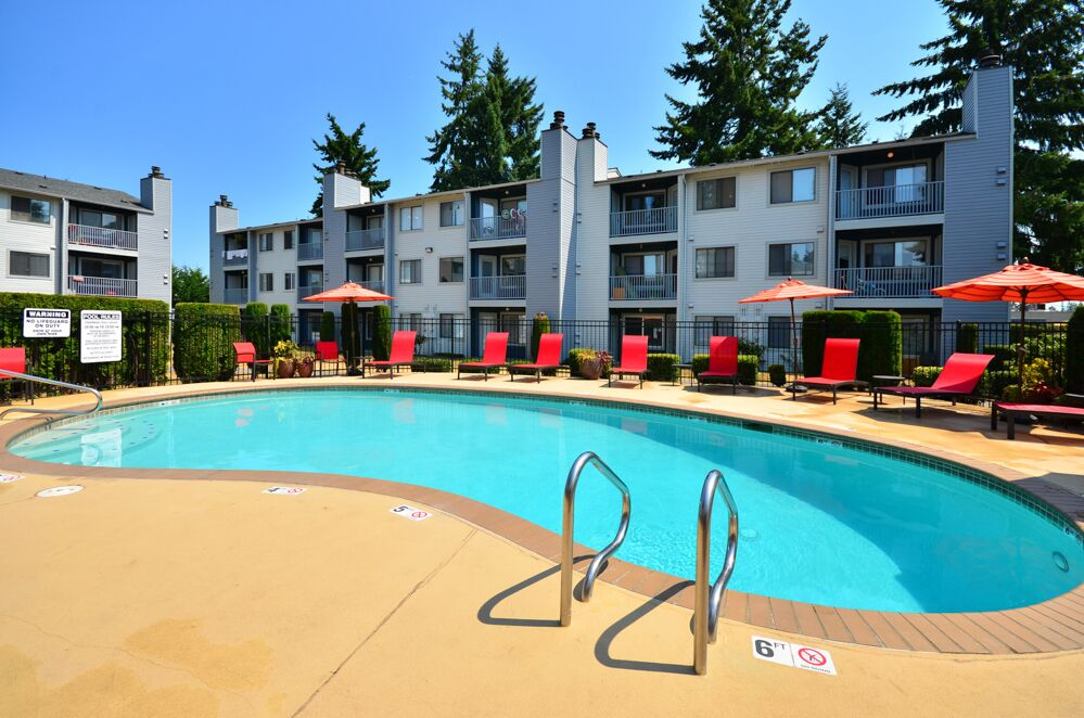 Everett, WA Arterra Apartments pool