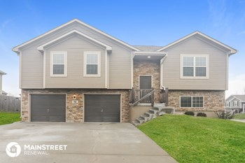508 NE 192Nd St 4 Beds House for Rent Photo Gallery 1