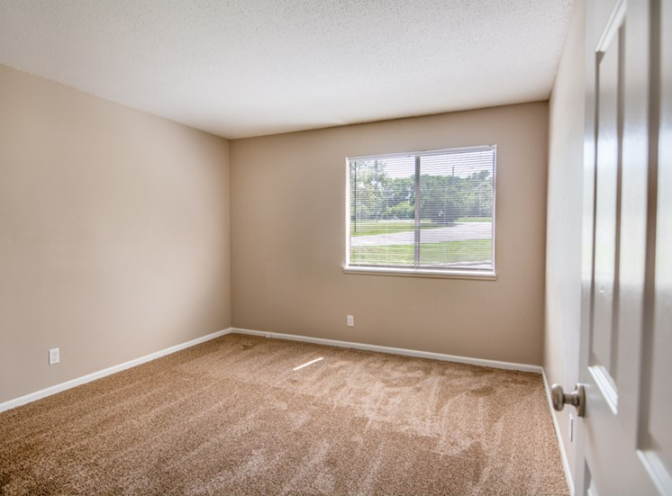 1 bedroom apartments with natural light at Forest Park In Kansas City, MO and in North Kansas City, MO