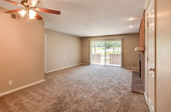 4623 Northeast Winn Road Studio-3 Beds Apartment for Rent Photo Gallery 1