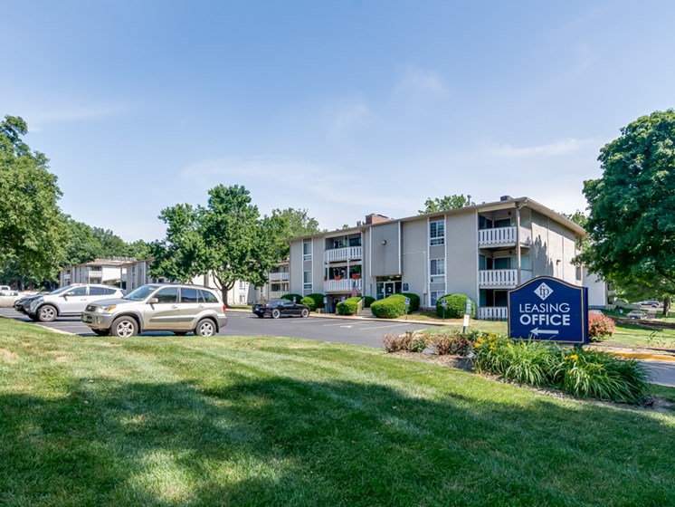 Pet friendly community at Forest Park Apartments in North Kansas City, MO