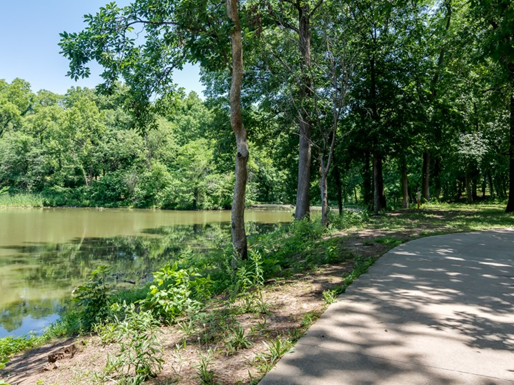 Walking Trails and ponds at Forest Park Apartments in North Kansas City, MO