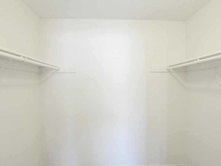 Apartments in Kansas City Closet