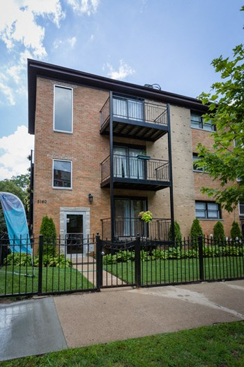 5140 S. Kenwood Ave. Studio-2 Beds Apartment for Rent Photo Gallery 1