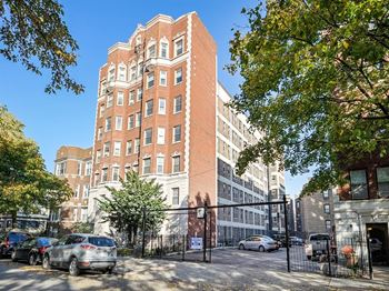 5125 S. Kenwood Ave. 1-2 Beds Apartment for Rent Photo Gallery 1