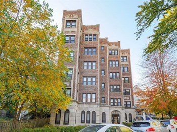 5220 South Kenwood Avenue Studio-2 Beds Apartment for Rent Photo Gallery 1