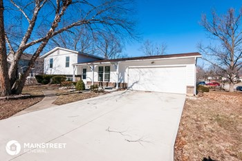 31 Creekside Dr 4 Beds House for Rent Photo Gallery 1
