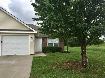 223 Palmer Ct 3 Beds House for Rent Photo Gallery 1