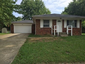 10221 E. Baribeau LN 3 Beds House for Rent Photo Gallery 1