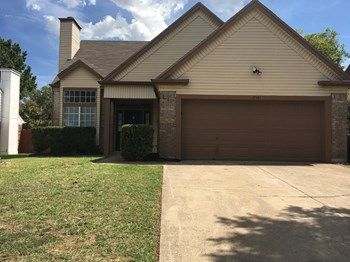 2561 Creekwood Ln 3 Beds House for Rent Photo Gallery 1