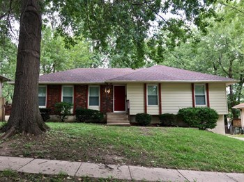 11900 E 57th St 3 Beds House for Rent Photo Gallery 1
