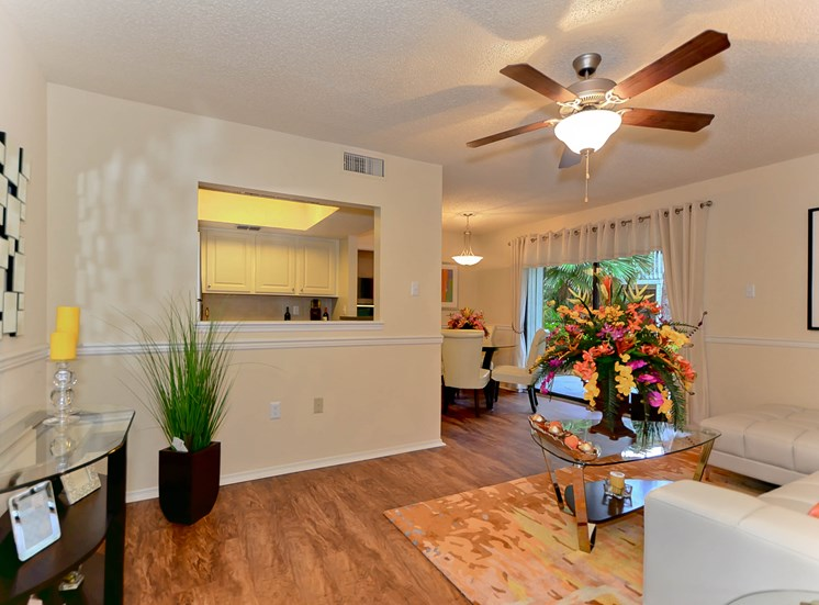 Living Room | The Park at Elland Apartments in Clearwater, Fl