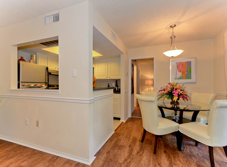 Kitchen/Dining Room | The Park at Elland Apartments in Clearwater, Fl