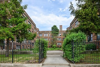 4615-27 N. Ashland Ave. Studio-2 Beds Apartment for Rent Photo Gallery 1