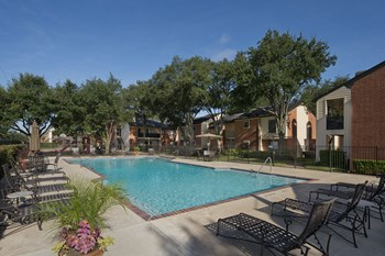 1800 Austin Parkway 2-3 Beds Apartment for Rent Photo Gallery 1