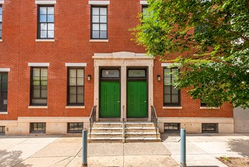 1702 Mt. Vernon St Studio-2 Beds Apartment for Rent Photo Gallery 1