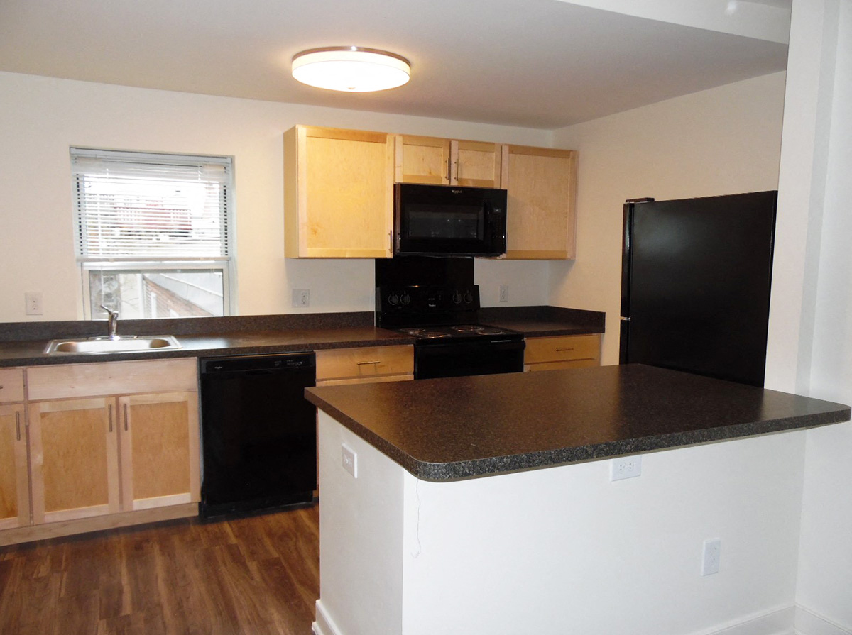 1702 Mt. Vernon St Studio 2 Beds Apartment For Rent Photo Gallery 1