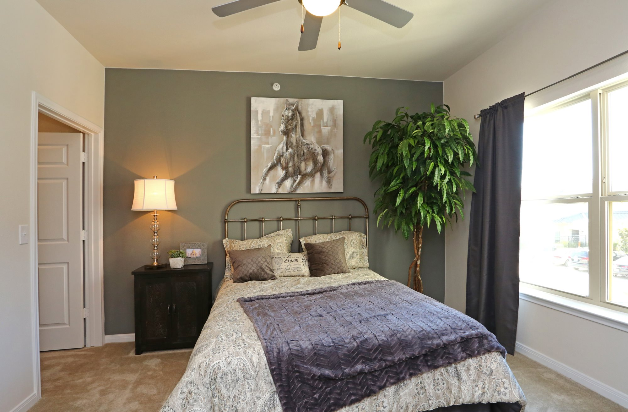 Longhorn crossing apartments in fort worth tx for Apartments near texas motor speedway