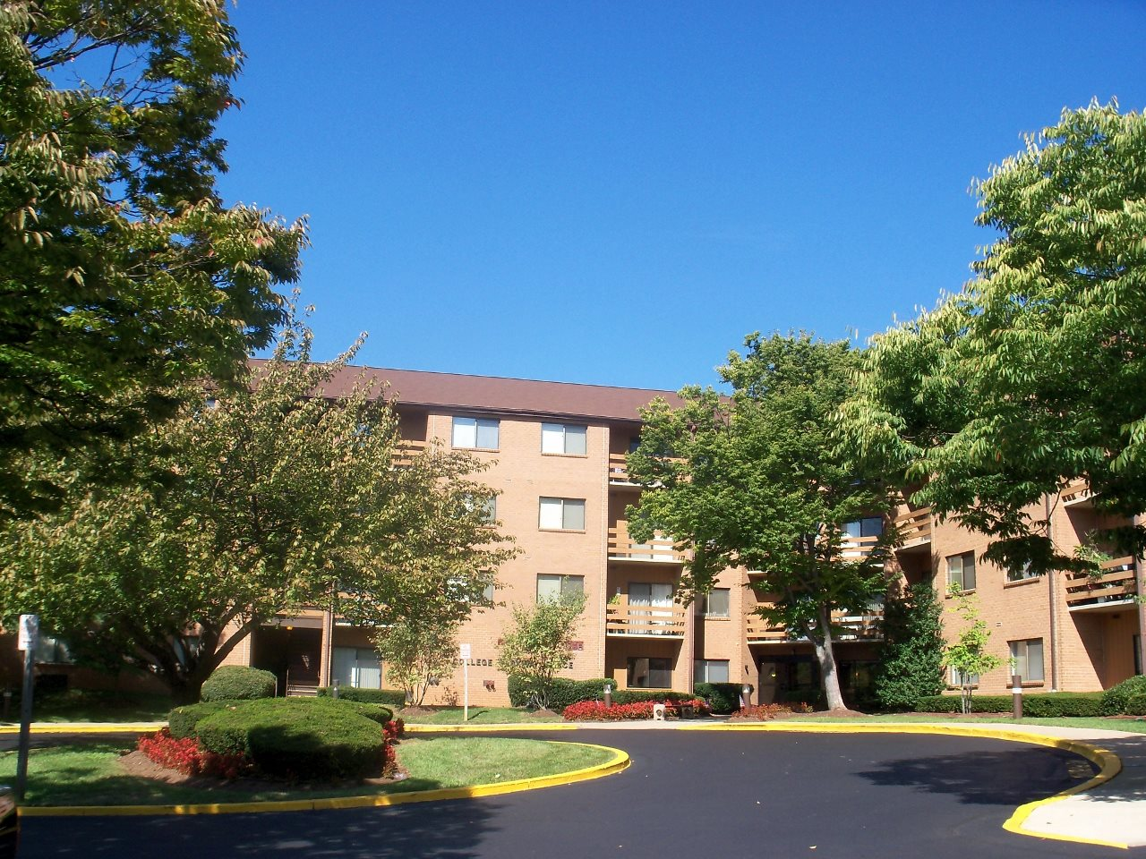 Welcome Home to College Parkway Place!