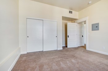 14 North Fair Oaks Studio Apartment for Rent Photo Gallery 1