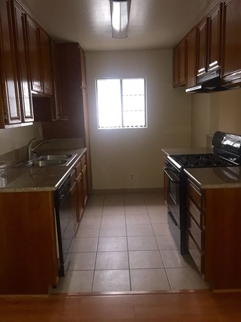 625 E. Palm Ave. 2 Beds Apartment for Rent Photo Gallery 1