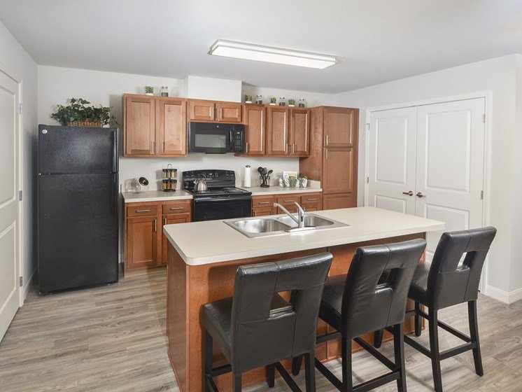 Eat-in Kitchens at Tiffin Pointe, Tiffin, OH