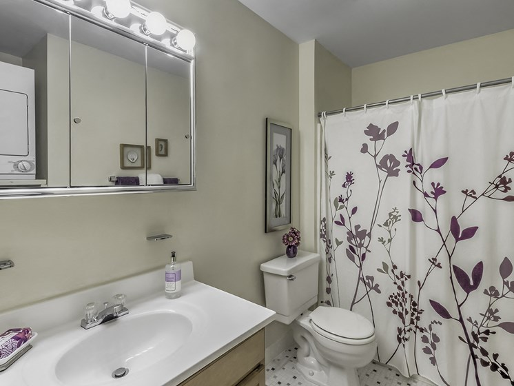 Apartment Bathroom & Laundry
