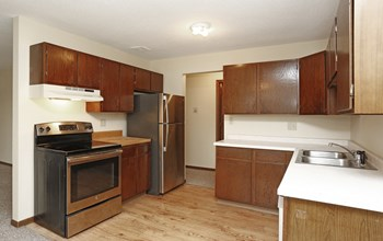 1185 South Main Street 1 Bed Apartment for Rent Photo Gallery 1
