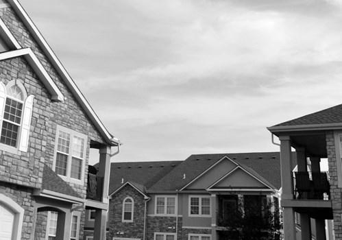 Crystal Court Apartments Community Thumbnail 1