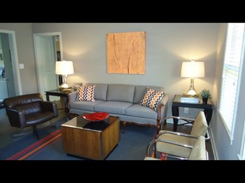 4409 Roanoke Parkway 1-3 Beds Apartment for Rent Photo Gallery 1