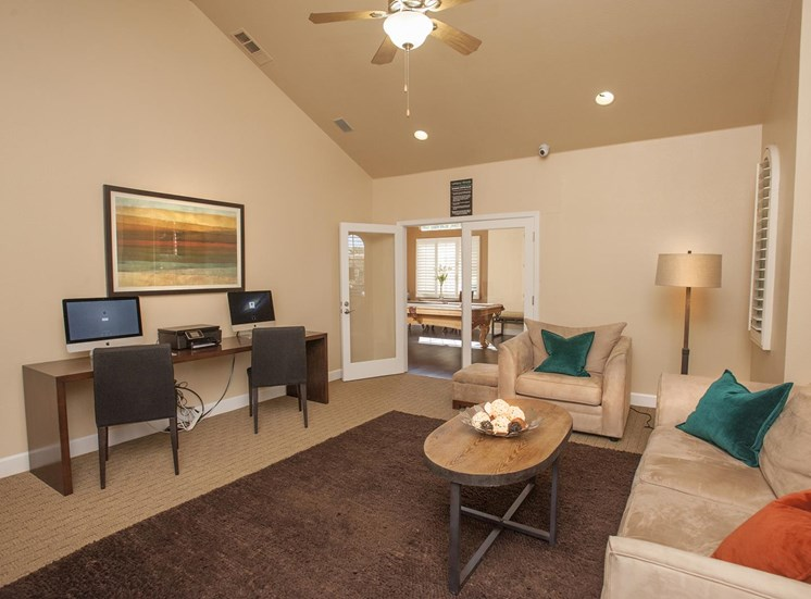 Lush Wall-to-Wall Carpeting at Larkspur Woods Apartment Homes, Sacramento, 95833