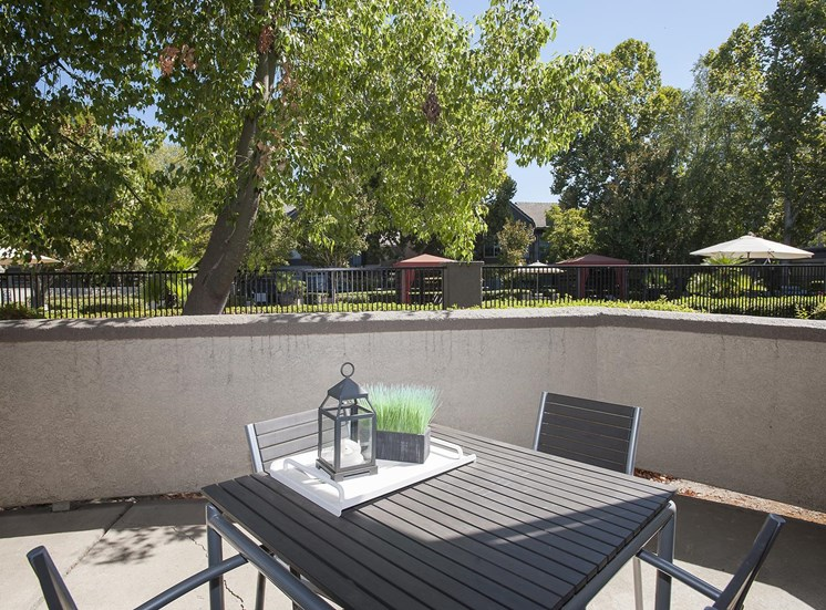 Outdoor Dining Options at Larkspur Woods Apartment Homes, 2900 Weald Way, Sacramento, CA