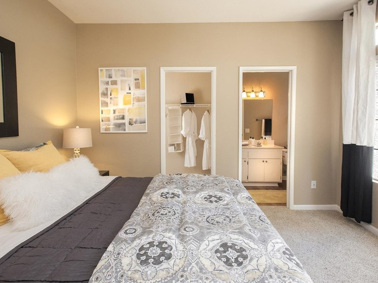 spacious bedrooms with en suite bathrooms at Larkspur Woods Apartment Homes, Sacramento, CA