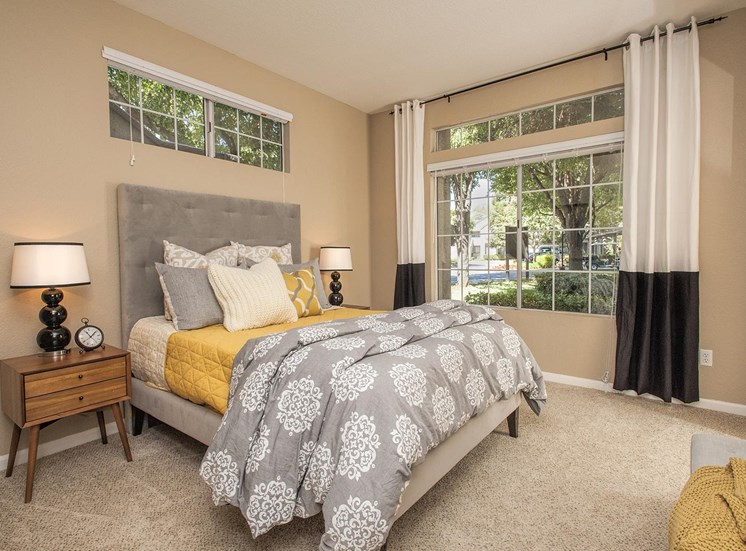 Master Bedrooms With Over sized Windows at Larkspur Woods Apartment Homes, Sacramento, 95833