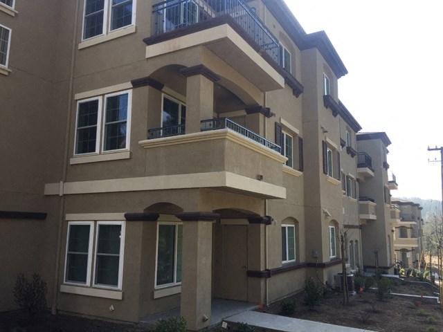 Building Exterior | Cascara Canyon Apts in Martinez, CA 94553