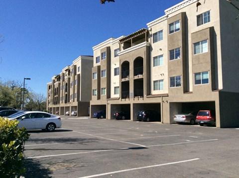 Building  l Davinci Apartments