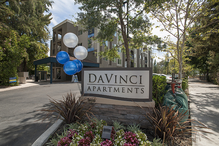 Monument sign l Davinci Apartments