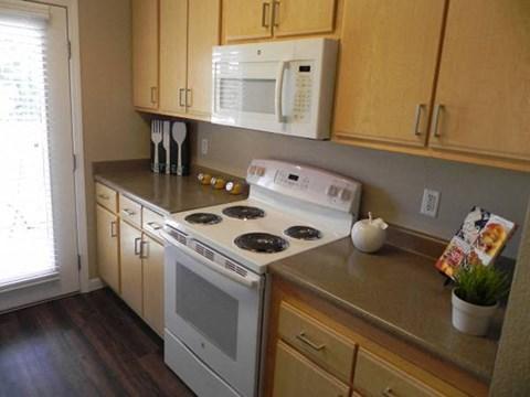 Kitchen l Davinci Apartments